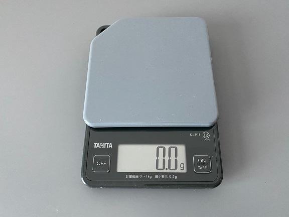 ▲タニタ「デジタルクッキングスケール KJ-P11」。0.5g単位ではかれます