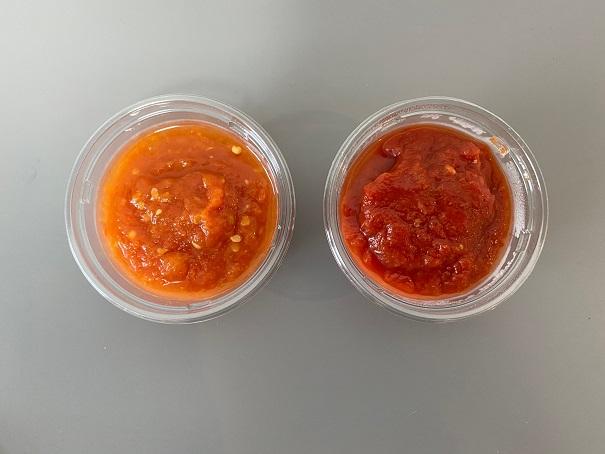 ▲左がトマトでつくったもの、右がトマト缶でつくったもの