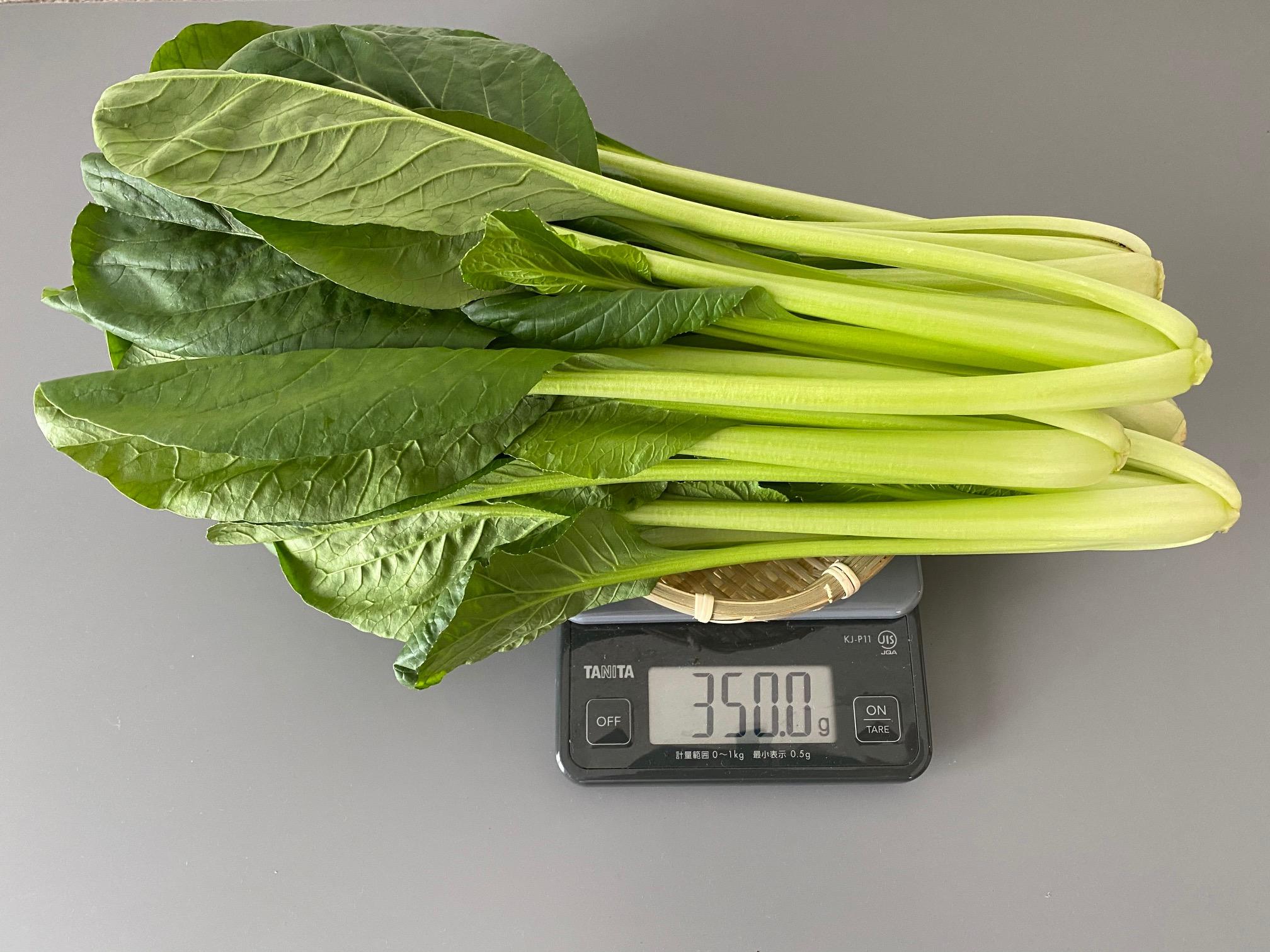 ▲350gの小松菜はざるに乗せるのもやっとの量でした