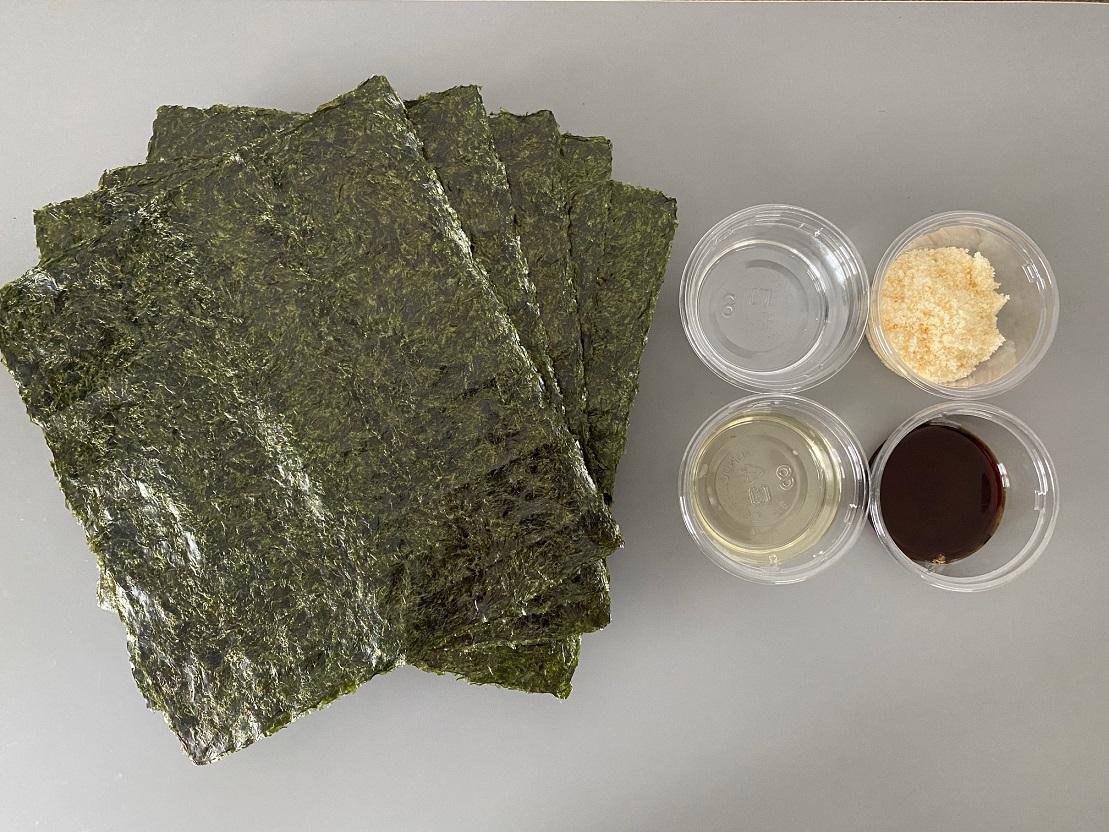 ▲手巻き寿司に使う大きめのサイズの海苔を使います。仕上がり量はだいたい200グラム前後になりました